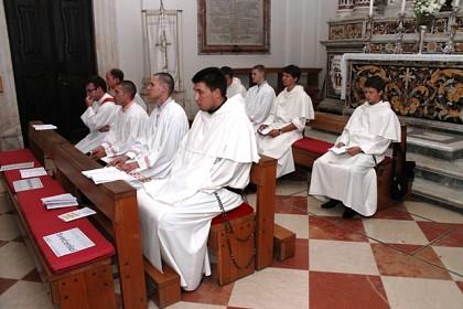 bdijenje-uoci-duhova-u-dubrovackoj-katedrali