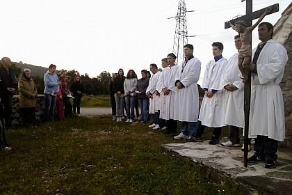 volonteri-iz-pupnata-od-ranih-jutarnjih-sati-u-molitvi