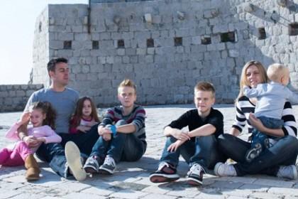 veliki-odaziv-obitelji-za-smjestaj-mladih-sudionika-shkm-2014