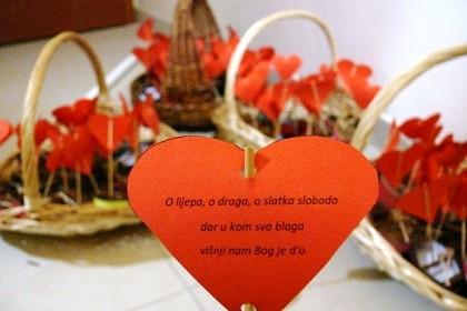 da-se-ljubav-dogodi-uoci-valentinova