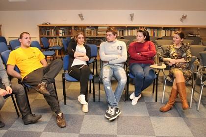 na-forumu-mladih-u-potrazi-za-odgovorima