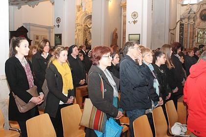 na-otvorenju-festivala-biskup-uzinic-shkm-stavio-pod-zastitu-i-zagovor-ivana-pavla-ii
