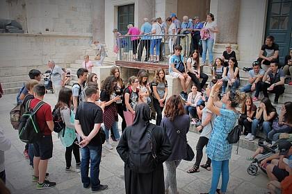 nagradni-izlet-u-split-i-vepric-za-sudionike-biskupijskog-natjecanja-iz-vjeronauka
