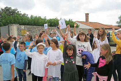 vise-od-300-djece-na-godisnjem-susretu-djecjih-zborova-dubrovacke-biskupije