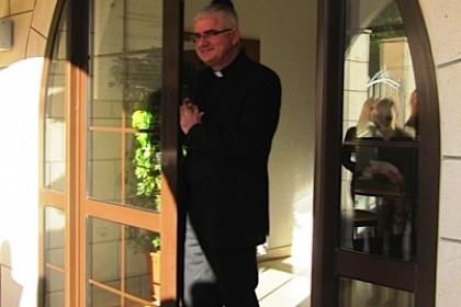 mladi-kod-biskupa-na-kolendavanju