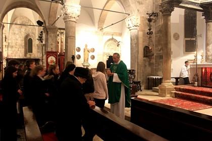 hrvatsko-nadzemlje-na-korculi-trazi-se-katolik