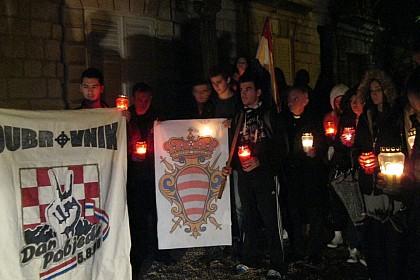 mladi-zupe-sv-petra-se-prisjetili-dubrovackih-branitelja