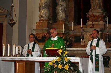 biskup-predvodio-misu-za-mlade-ako-njegujemo-prave-vrijednosti-znamo-da-u-smrti-nije-kraj