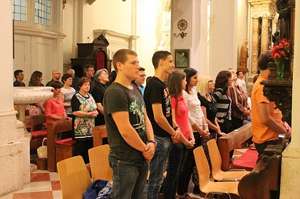 zajednistvo-mladih-molitvenih-zajednica-i-duhovnih-pokreta-na-duhovskom-bdijenju