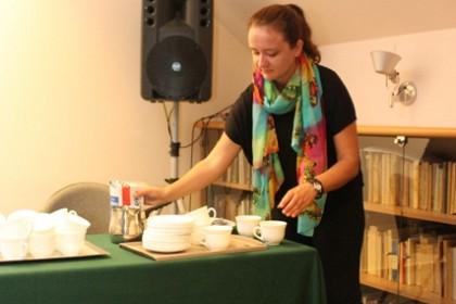 kava-s-bivsim-ovisnikom-a-danas-svecenikom-don-ivanom-filipovicem
